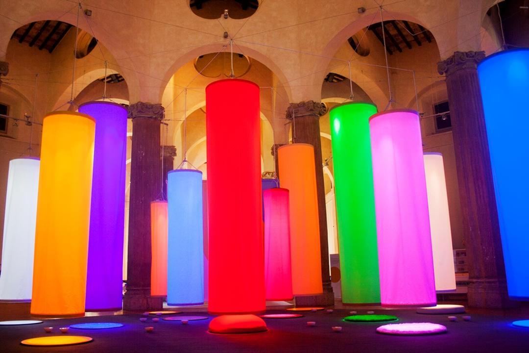 GTiocare con la luce alla ricerca del colore
