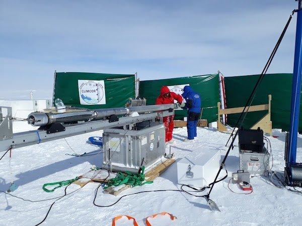 Preparazione del carotiere per la perforazione del ghiaccio